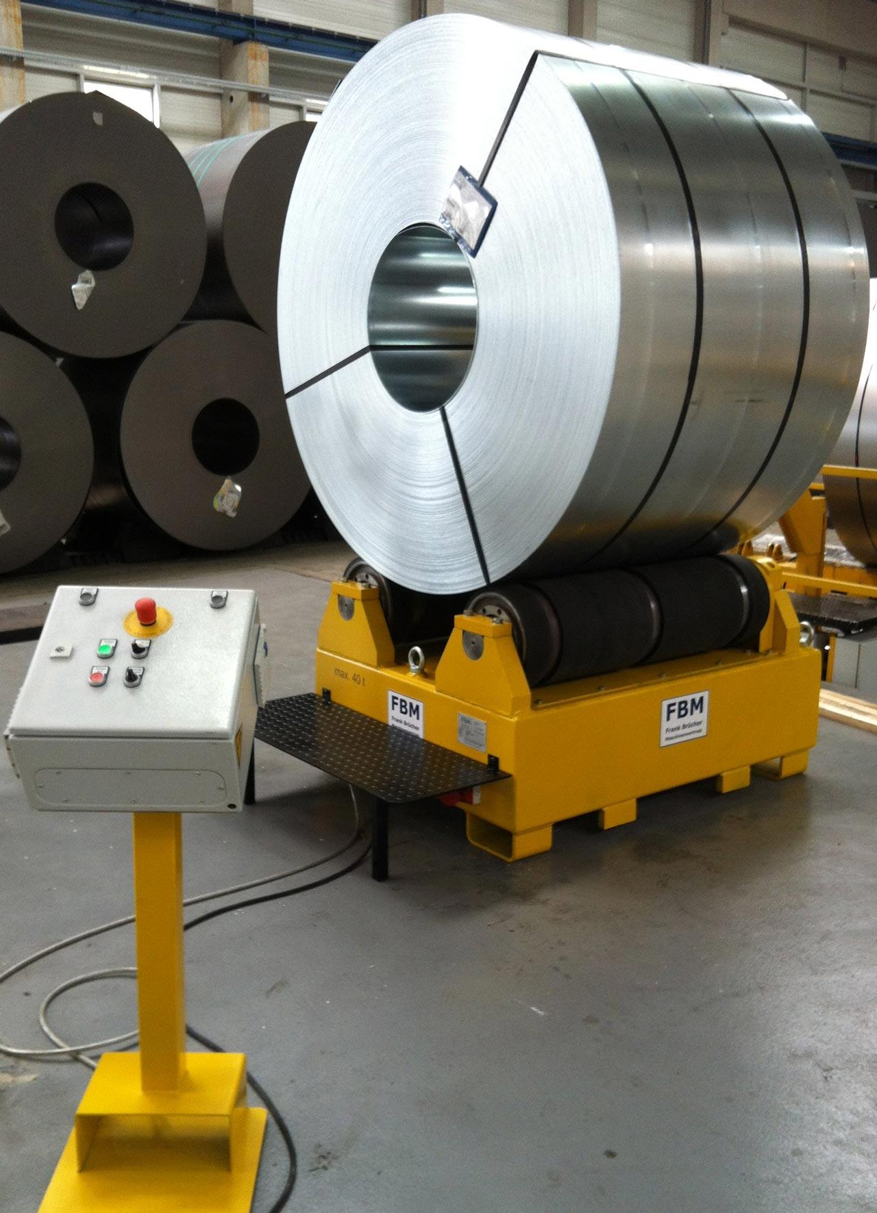 Coildrehstation, Coilvorbereitung, coilwender, coil drehvorrichtung, Coilvorbereitungsstation, Coilbock, Coil Drehstation, Coilverpackung, coil wenden, coil drehen, coil abwickeln, coil prüfen, Probenentnahme Coil