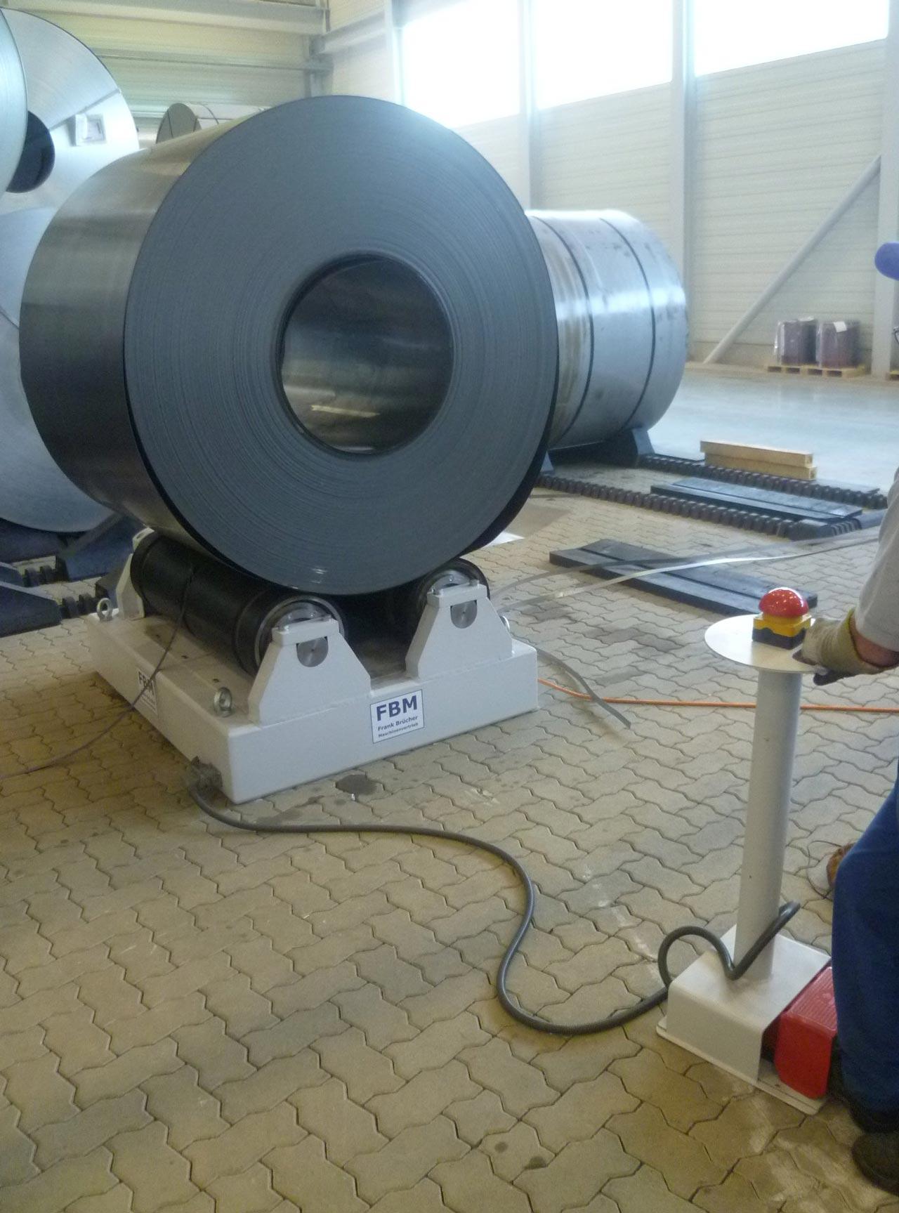 Coilvorbereitungsstation, Coildrehstation, Coilvorbereitung, coilwender, coil drehvorrichtung, Coilbock, Coil Drehstation, Coilverpackung, coil wenden, coil drehen, coil abwickeln, coil prüfen, Coilbock, Coilabrollbock
