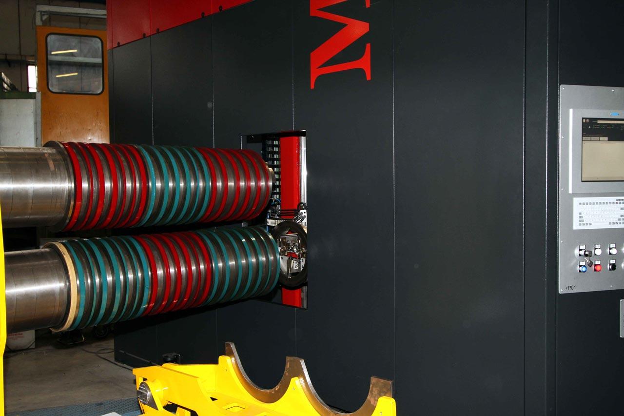 Messerbauroboter, Werkzeugbauroboter für Längsteilwerkzeuge